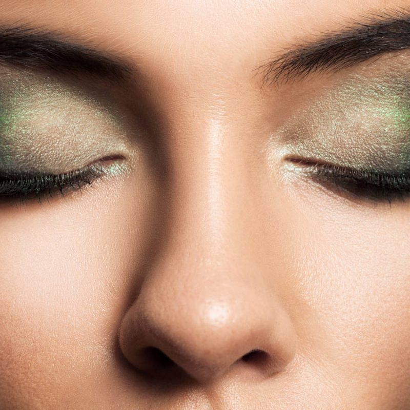 eye-makeup-beautiful-eyes-retro-style-make-up-holi-P3S7T6P.jpg